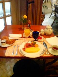 リッカールトンで朝食